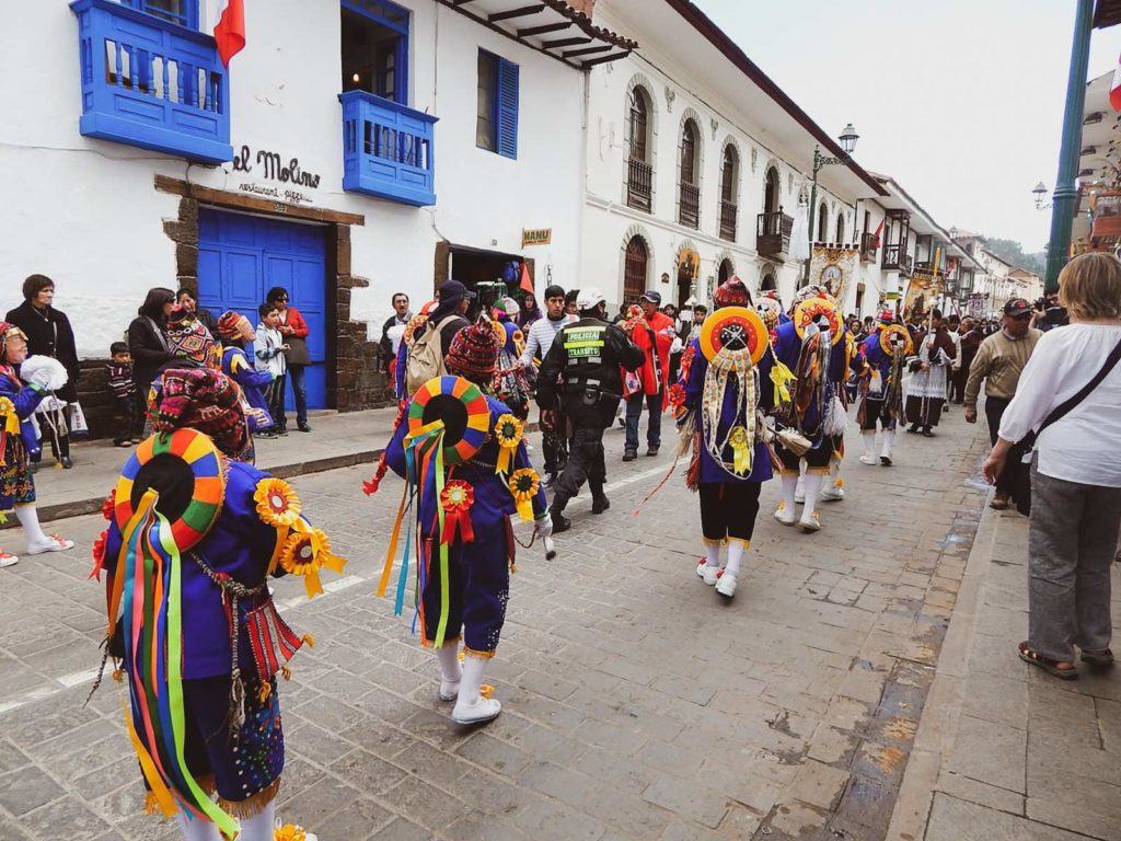 Traditionelles Straßenfest in Cusco